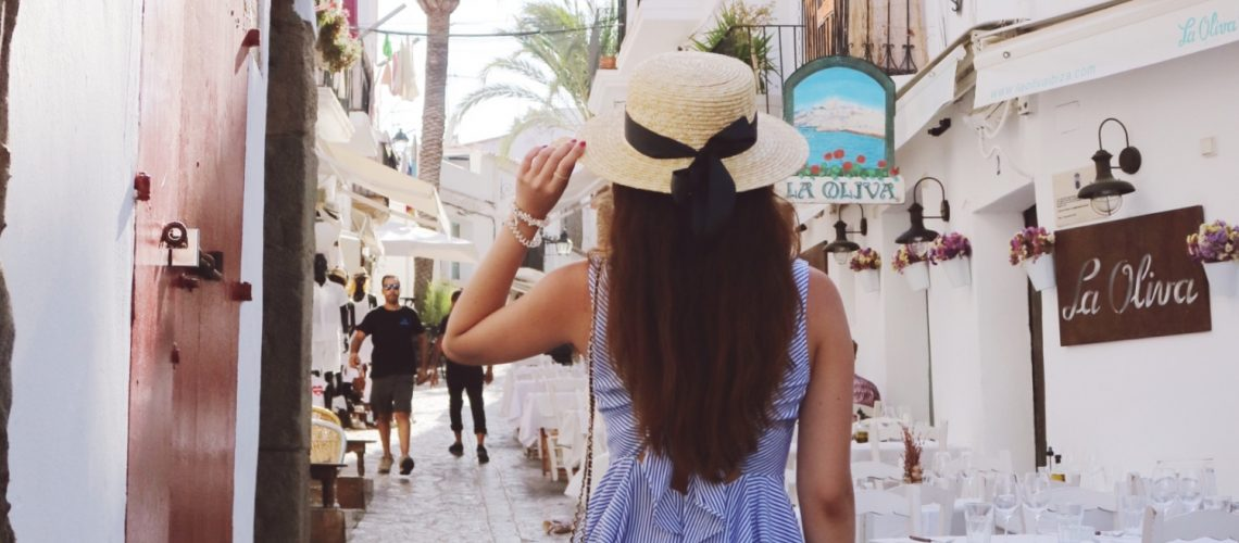 Heart to heart: Why you should travel now! | Ly Mademoiselle