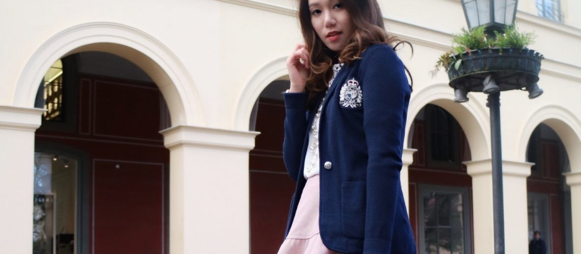 Preppy College Look with Autumn Must-Haves